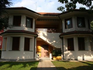 grande appartamento in villa, Cavenago di Brianza