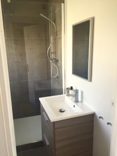 Third bathroom - (1)