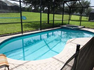 Professionally Decorated 5 Bedroom Pool Home, Kissimmee