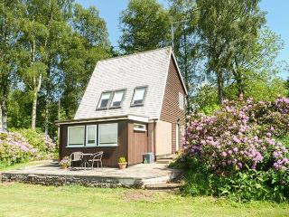 THE STUDIO detached, views, WiFi, private patio, good touring area, in Dunblane