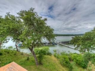 3BR/2BA Lake Travis Waterfront with Boat Launch