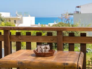 Stegna apartment,Balcony - 40 meters from the sea