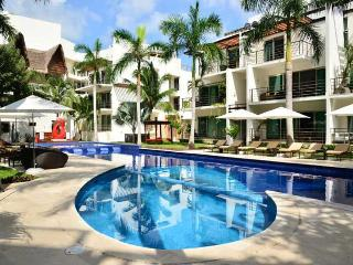 Via 38 Luxury Apartment Minutes to the Beach, Playa del Carmen