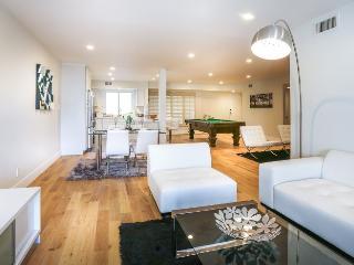 2 Beverly Hills Luxury Apartment