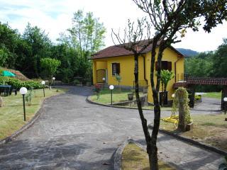 CASA VACANZE 'IL VIGNETO'  20 minutes from Levanto, Sesta Godano