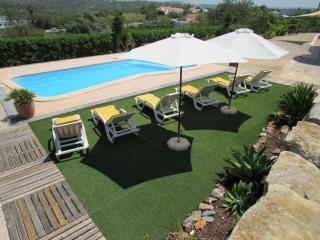 Albufeira Algarve 4 zimmer Wohnung,Pool,WIFI,BBQ, Table tennis.