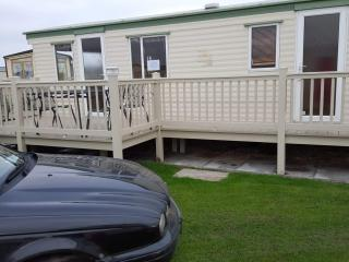 Co6 - 8 berth Caravan with Veranda on coastfields, Ingoldmells