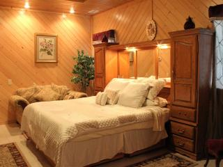HeiligHaus Serenity Suite 10% Disc Oct Spl, Homosassa