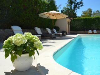Incantevole villa dependance con piscina in 3000mq