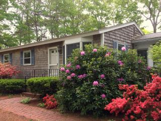 Walk to the Beach Vacation Rental. Renovated in 2016. Central AC., Mashpee