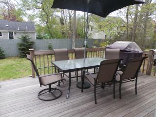 Walk to the Beach Vacation Rental. Renovated in 2016. Central AC.