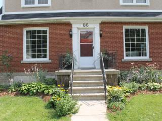 Beautiful four bedroom family home in Dundas