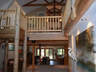 The Lazy Crane; A Luxury Cabin On the Kern River, Kernville
