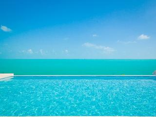 Breezy Villa, Five Cays Settlement