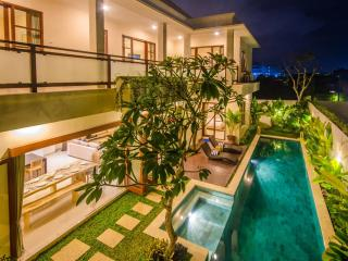 5 Bedroom Legian Villa near Kuta