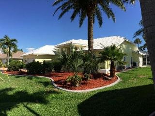 Villa Sunny Lemon - Fantastic View, Cape Coral