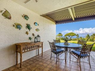 Fantastic Golf Course and Ocean Views, Fresh Decor, Relax and Unwind!, Kailua-Kona