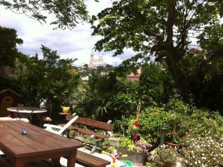 T3 meublé 70m2,  jardin 400m2 entrée privative