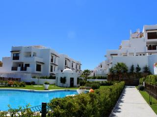 Luxury furnished New 2 bed 2 bath apartment, Estepona