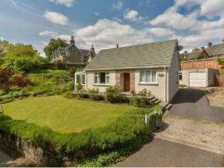 Centre of Pitlochry cottage sleeps 6