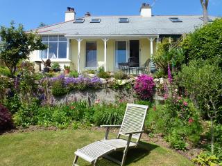 Secret Garden cottage,Parking.Wi Fi.Welcome hamper, Lostwithiel