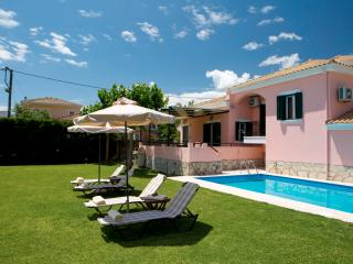 Anthemis Luxury Villas-Special villa Ioanna with private pool and amazing garden