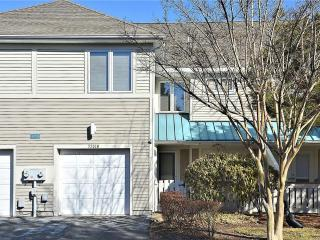 Lovely 3 bedroom, 2 1/2 bath lake front unit with terrific views!, Bethany Beach