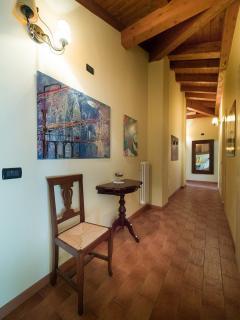 corridoio dove si aprono le camere