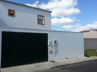 ESTUPENDA PAREADA EN ZONA TRANQUILA DE SEVILLA, Olivares