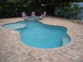 Tropical Oasis with Private Pool/Spa, Jensen Beach