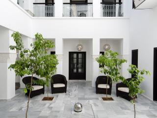 Jr Suite- Luxury Riad-Includes Breakfast & wifi-RS, Marrakech