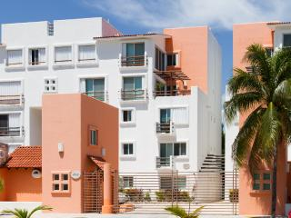 TWO STORY PENTHOUSE IN HOTEL ZONE CANCUN 8 GUESTS, Cancún