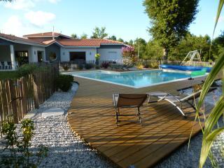 Villa, piscine, 5 chambres dans la forêt, Biscarrosse