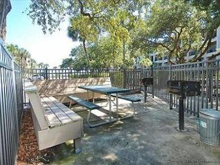 Seaside Villa 277 - 1 Bedroom 1 Bathroom Oceanside Flat  Hilton Head, SC
