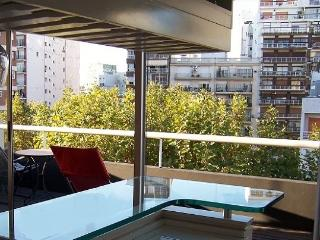 Shiny, Spacious 2-Bedroom / 2 1/2 Baths / Balcony, Buenos Aires