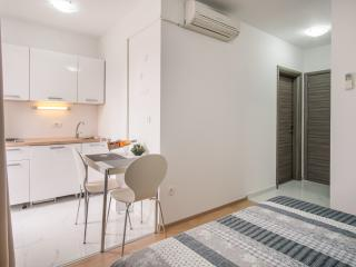 Studio Apartment VALL V4, Krk