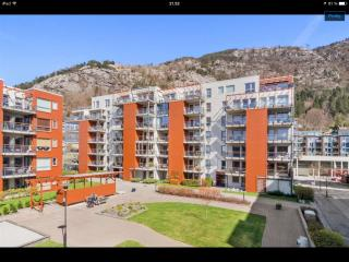 Sandviken Seaside Apartment near Bergen city center