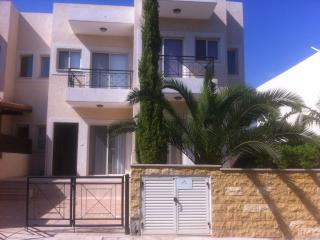 2b Cozy Seaview Pool-Tennis Townhouse, Meridien Beach TL037, Limassol