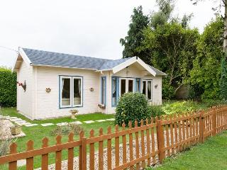 The Log Cabin close to Lymington & New Forest