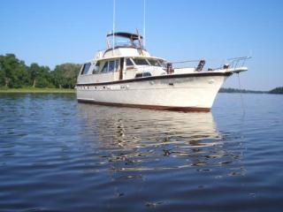 Classic Barbie 53' Motor Yacht  Hatteras, Wilmington