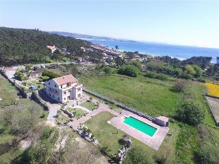 Beautiful, cozy apartments just 150m from the beach, O Grove