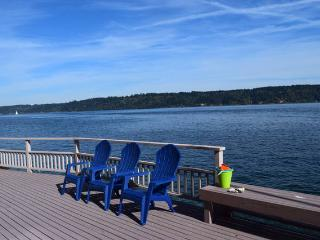 Sunrise Beach Gig Harbor home - Beachfront Home