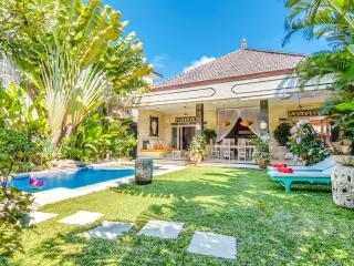 Cozy 3 Bedroom Villa in Seminyak, Great Location