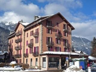Bright and Stylish newly renovated contemporary  flat  Chamonix Town Centre