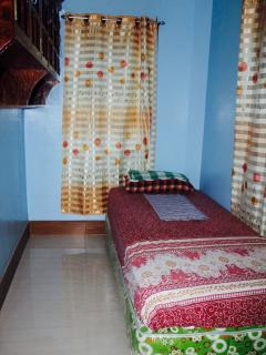 P500.00 (room) -Single -Fan -CR located next to this room -Free wifi -Free unlimited coffee
