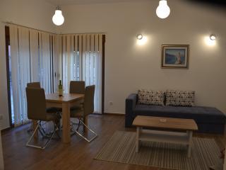 Apartments 'Porat' - Apt. 3, Tivat