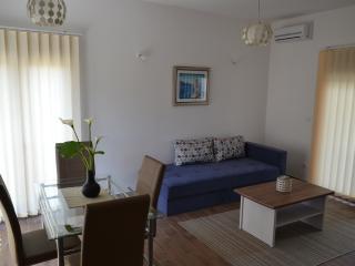 Apartments 'Porat' - Apt. 5, Tivat