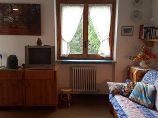 Luminoso appartamento completo con 4-5 posti letto