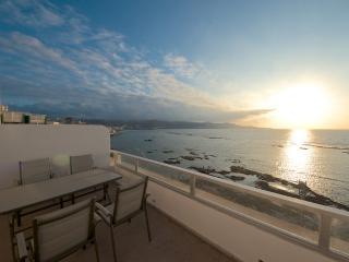 Beachfront Atico with sun terrace, Las Palmas de Gran Canaria