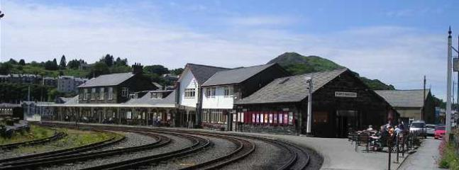 Porthmadog train station